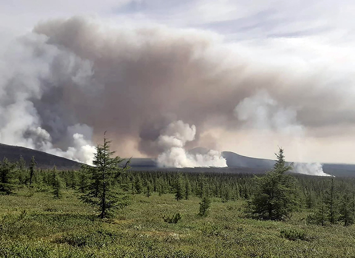 Arctic fires worsen and now threaten world famous park set up to recreate flora of woolly mammoth era